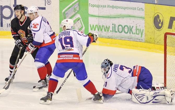 Голкипер «Металлурга» Леонид Гришукевич стал одним из героев тура, отразив 39 бросков в Гомеле.