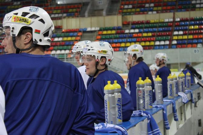 «Динамо» не раз поворачивалось к хоккеистам спиной.