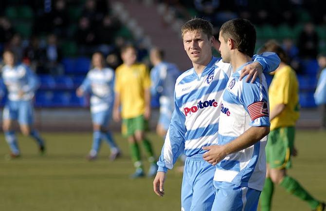 Не исключено, что капитанская повязка от уходящего из команды Сергея Кисляка перекочует Олегу Веретило. Если он сам, конечно, останется.
