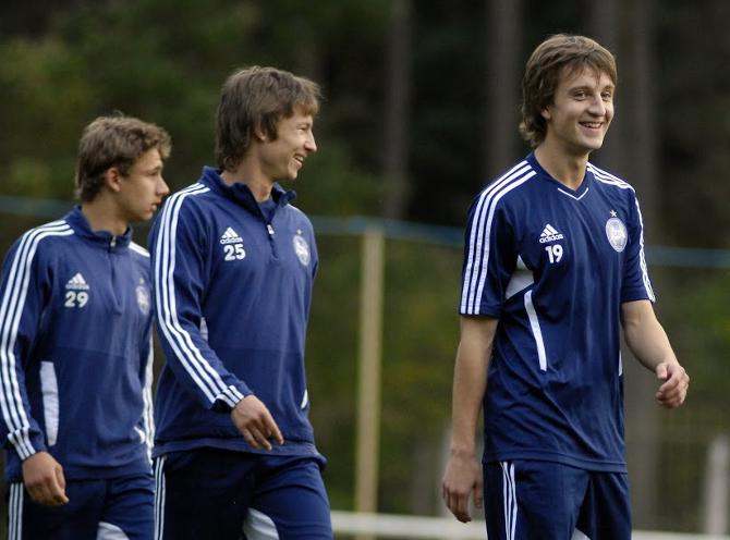 Кирилл Алексиян когда-то играл против Лионеля Месси в Лиге чемпионов, а теперь выступает за «Гранит» в первой лиге