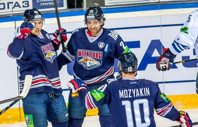 Магнитогорское суперзвено Мозякин – Коварж – Зарипов под руководством Майка Кинэна выдает просто феерический хоккей.