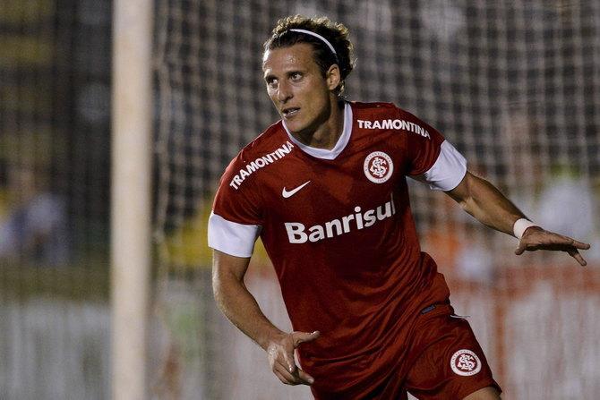 Лучший игрок ЧМ-2010 Диего Форлан устал от Европы и перебрался в «Интернасьонал».