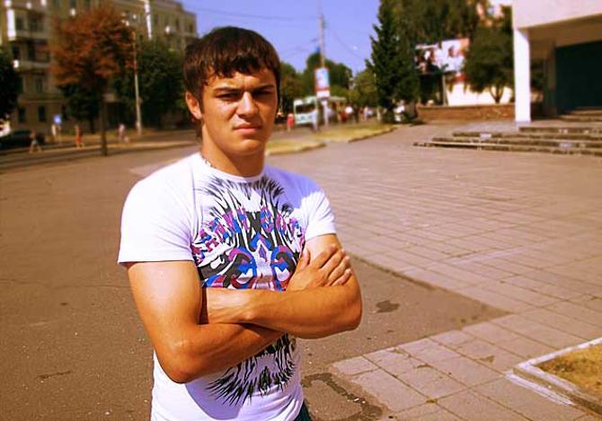 Владимир Юрченко готов пожертвовать ста тысячами долларов для того, чтобы поскорее определиться со своим новым клубом.
