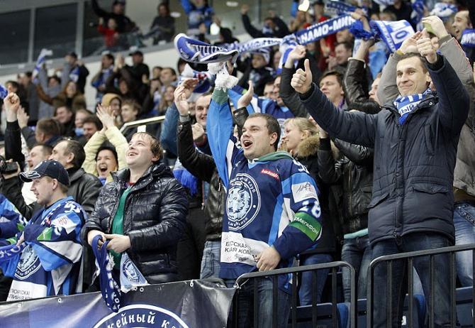 В этом сезоне аншлаги «Минск-Арена» не собирает, но народ продолжает ходить на хоккей