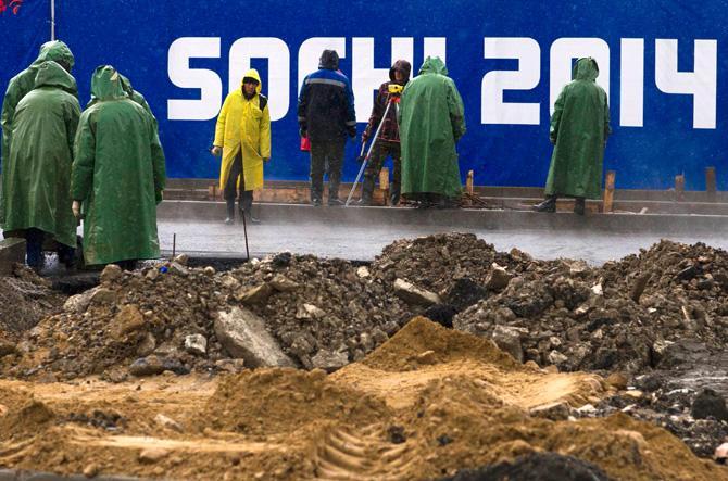 Есть мнение, что Россия еще не готова организовывать такие масштабные мероприятия, как Олимпийские игры.
