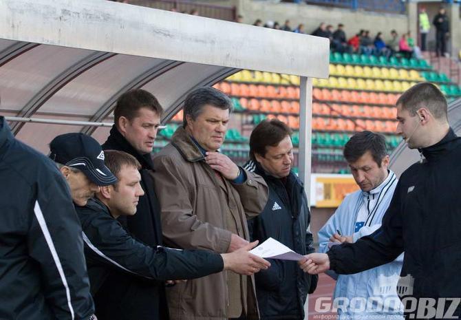 Сергей Короза (в черном пальто) верит в светлое будущее