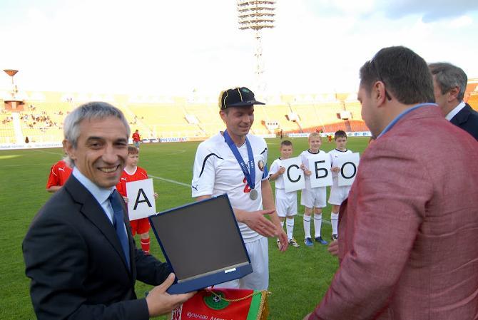 Александр Кульчий, приняв поздравления от боссов федерации, не намерен останавливаться на достигнутом