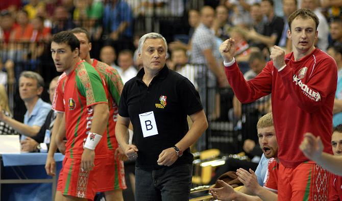Юрий Шевцов надеется, что сборная и болельщики в воскресенье станут единым целым.
