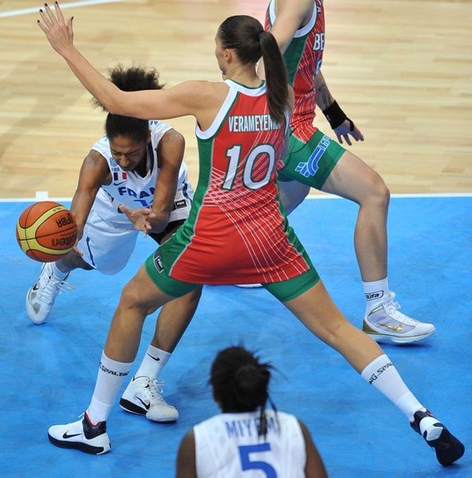 Усилий Насти Веремеенко и ее подруг по команде оказалось недостаточно
