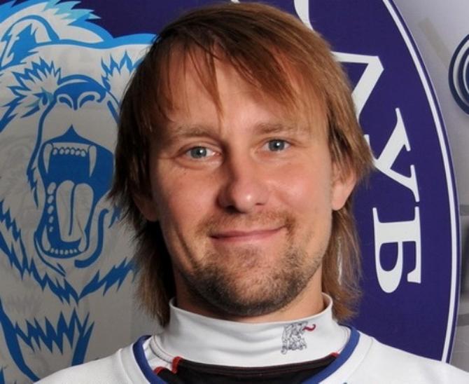 Егор Цуриков старается получать от хоккея удовольствие, несмотря ни на что...