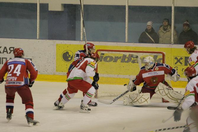 Белорусы пока чужие на своем же хоккейном празднике в Гомеле.