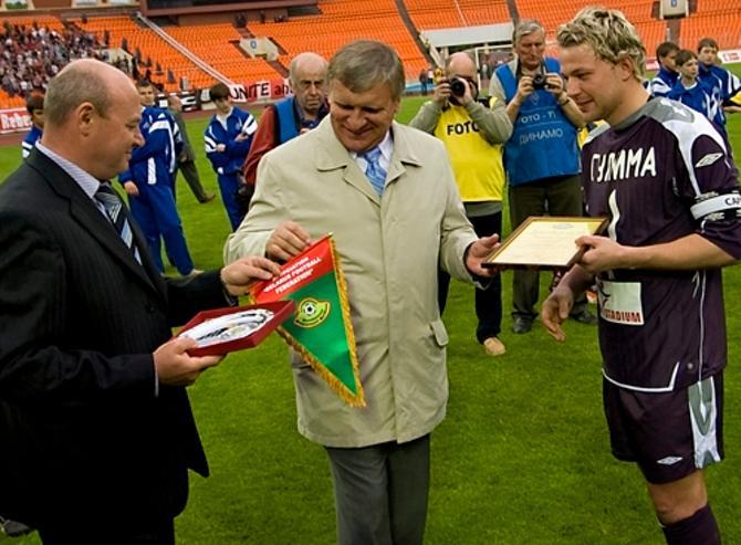 Геннадий Невыглас ведет белорусский футбол в светлое будущее.