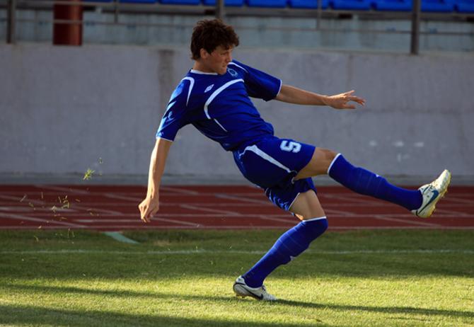 Эдуард Жевнеров сомневается, что его нынешняя команда обыграет прежнюю