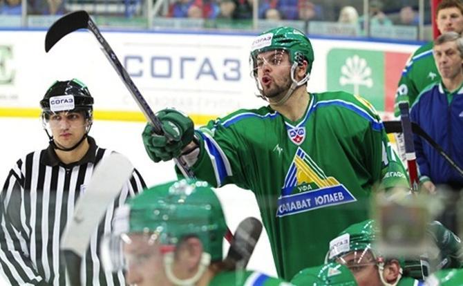 Александр Радулов не дает спуску ни чужим,ни своим.