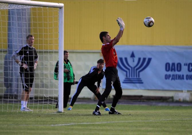 Показалось, что Юрий Цыгалко мог спасти команду, как и защитники помешать голевому удару
