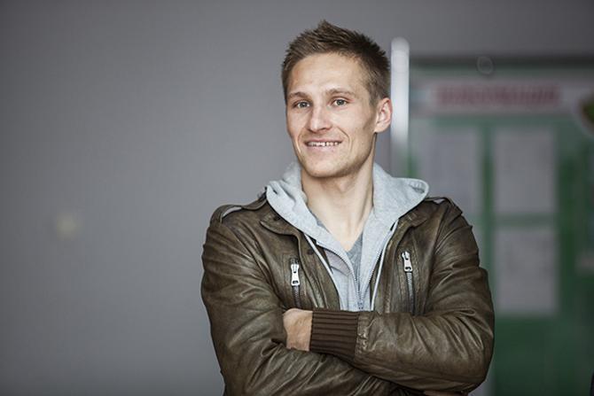 Сергей Кривец удивляется белорускам, которые ходят за продуктами на каблуках