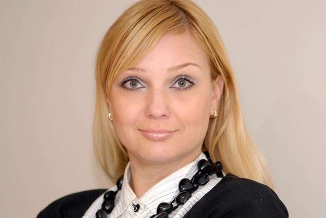 Лидия Семенова отмечает, что окупаемость хоккейного клуба -- долгосрочный проект