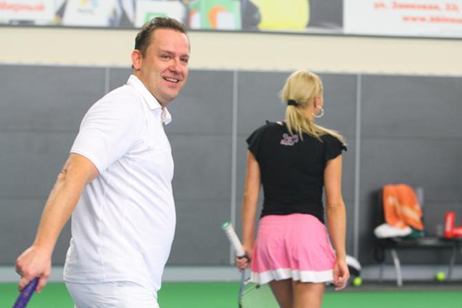 Егор Хрусталев иногда играет в паре с Ольгой Барабанщикойо и считает ее секс-символом отечественного спорта