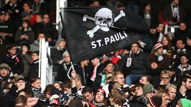 Пока над Санкт-Паули реет пиратский стяг, война против системы не проиграна.