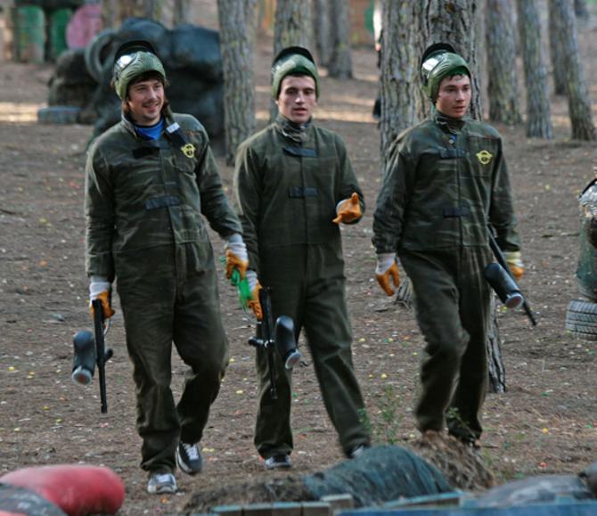 Возможно, минским динамовцам, как и другим спортсменам, придется сменить игрушечное оружие на настоящее. Если Родина будет в опасности