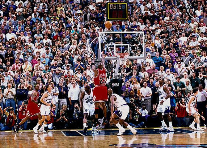 Майкл Джордан этим броском решил судьбу финала 1998 года.