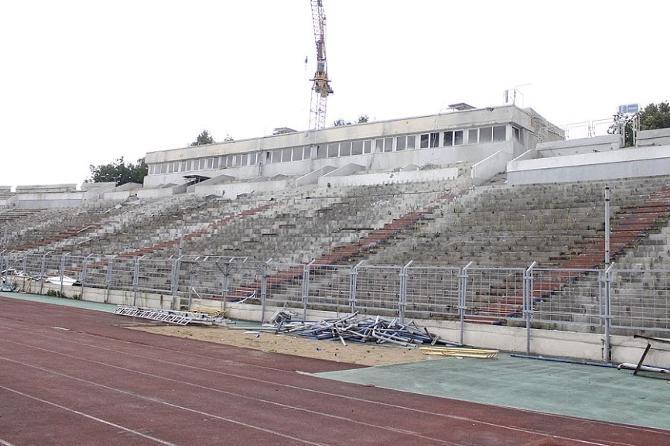 Демонтаж козырька на «Динамо» наконец-то закончен