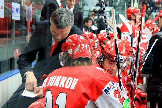 Андрей Сидоренко отмечает, что его команда за последнее время прибавила