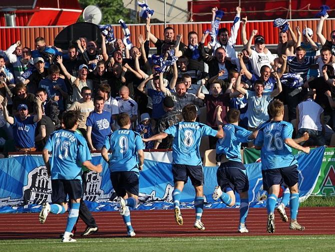 Фанаты и болельщики недолго наслаждались радостью победы