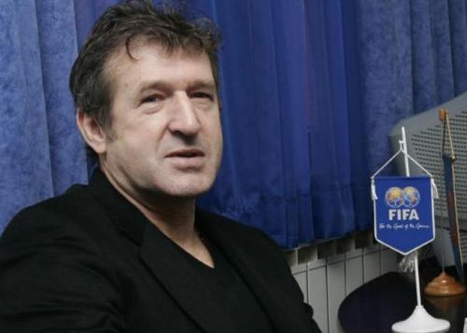 Сафет Сушич рассчитывается на лояльность УЕФА и ФИФА