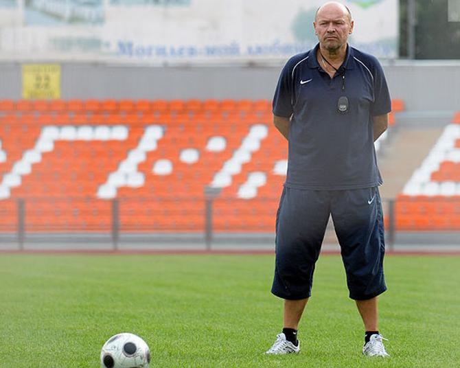 После поражения от «Днепра» главному тренеру «Баника» досталось.