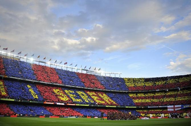«Мы есть и будем» – надпись на каталанском на мозаике «Камп Ноу».