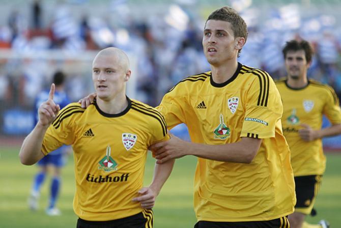 Комаровский забивает в третьем матче подряд