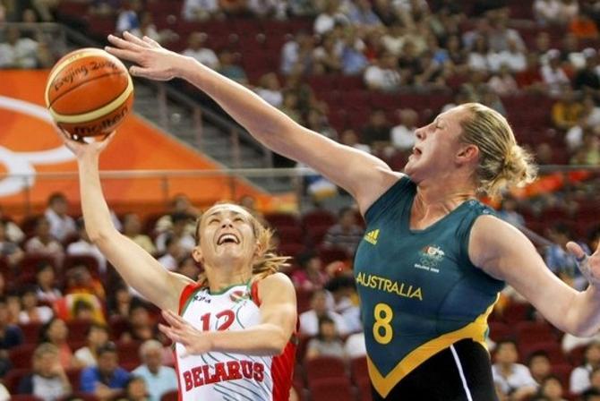 Со своими 170 сантиметрами Наташа Марченко -- одна из самых миниатюрных игроков в сборной Беларуси