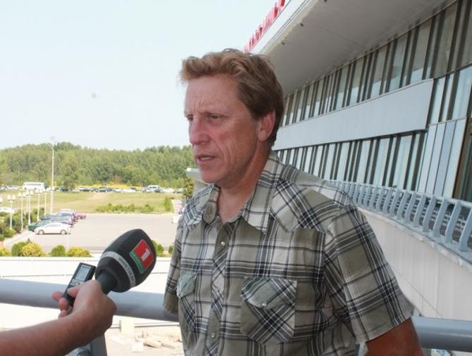 Глен Хэнлон готовится выигрывать со сборной Беларуси турнир за турниром