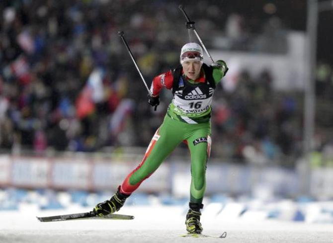 Дарья Домрачева подтвердила свой фаворитский статус уже в первой гонке сезона!