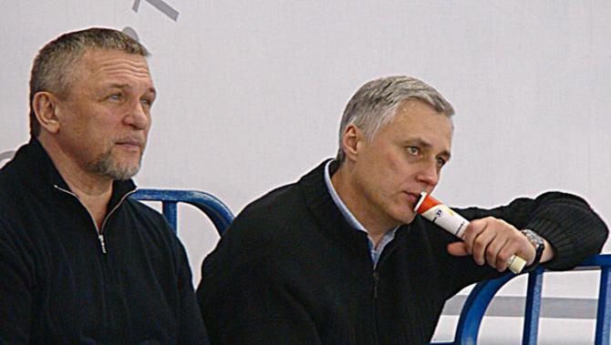 Владимир Коноплев (на фото слева) дал тренерскому тандему год, чтобы себя проявить.