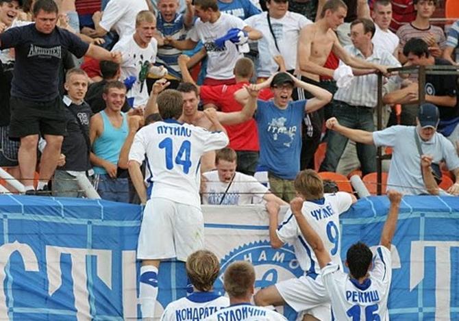 Антон Путило со своим запретным номером делит радость с беспокойными фанатами