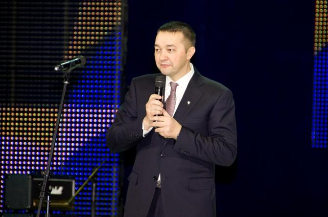 Анатолий Капский традиционно не спешит разбрасываться деньгами