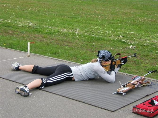 Дарья Домрачева оттачивает стрельбу