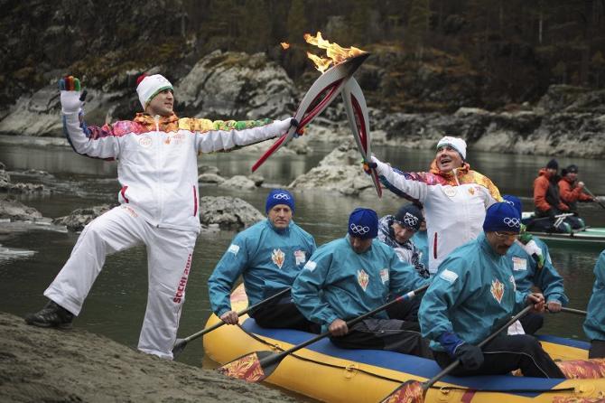 Олимпийскому огню пришлось изрядно попутешествовать по России