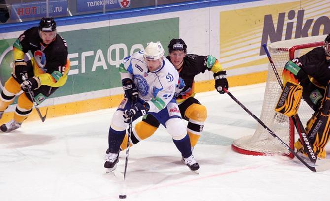 Стараниями Александра Кулакова минчане забросили две шайбы из четырех.