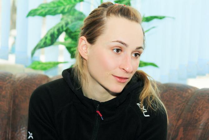 Анастасия Дуборезова пока сдержанно оценивает свои биатлонные результаты.