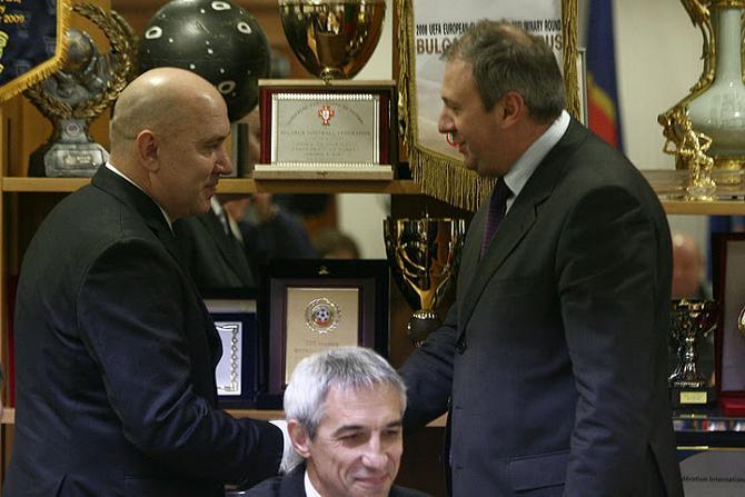 Георгий Кондратьев и Сергей Румас ударили по рукам