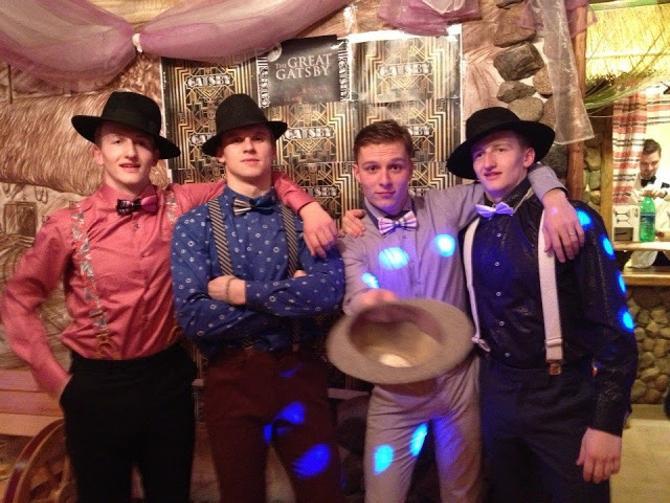 Белорусские хоккеисты принарядились для празднования Нового года