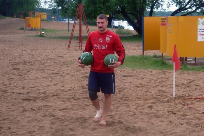 Лучший бомбардир в истории сборной Беларуси по пляжному футболу ведет весьма успешную агентскую деятельность