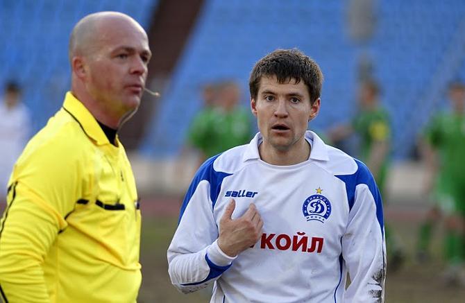 Наверное, и Вячеслав Глеб диву дается: и как такое нападение может не забивать?