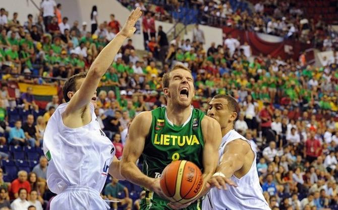 Литва в красивом стиле одолела Испанию.