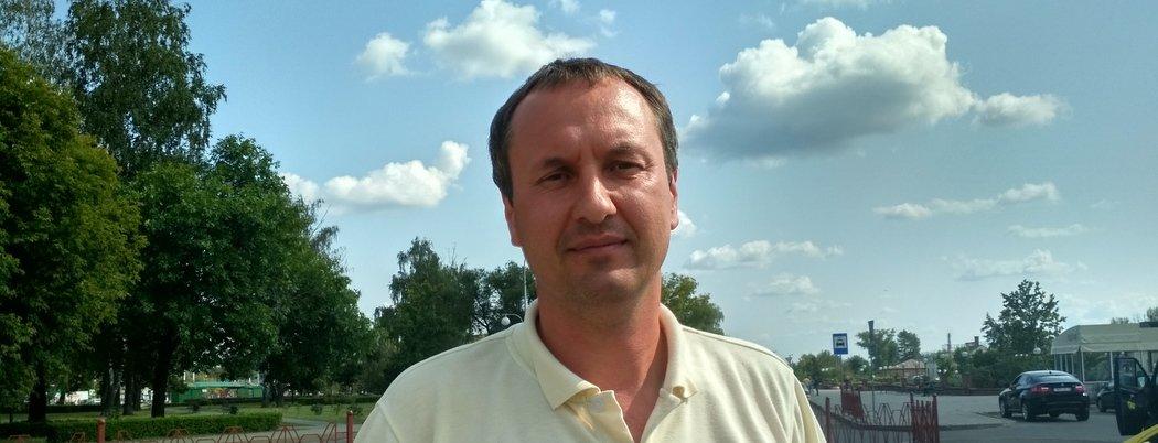 «Когда в раздевалке ругались матом, местные прятались по углам». Он первым из белорусов уехал в Китай играть в футбол