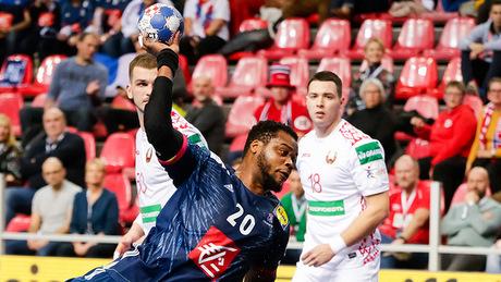 Беларусь слегка напугала чемпионов мира и вышла в следующий раунд гандбольного Евро. Что нас ждет дальше?