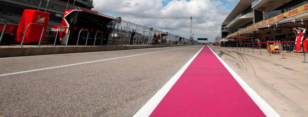 Трассу «Формулы-1» выкрасили в розовый цвет. Зачем?